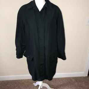 London Fog lined black coat with zipper lining